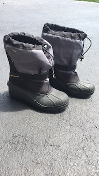 Columbia Snow boots (Size  7 ) Emmitsburg, 21727
