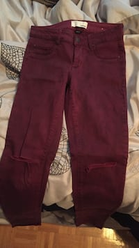 Leggings with holes in the knees -Garage