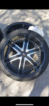 22 inch rims Crave Alloy. 5 lug nuts. Some of the screws missing but rim is in good condition Vienna, 22180