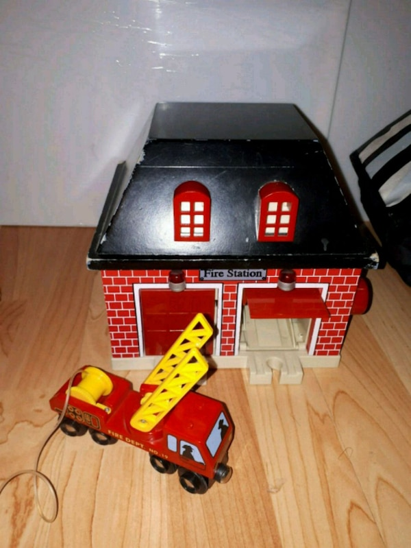 Sold fire house for train set.