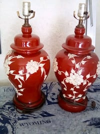 two red-and-white floral ceramic table lamps Moreno Valley, 92557
