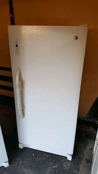 Like new stand up freezer Holly, 48442
