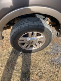 Came of an 06 ford truck tires are new, 4 wheels and tires