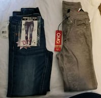 two black and blue denim jeans Manteca, 95337