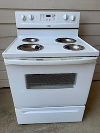 5 WHITE WHIRLPOOL ELECTRIC STOVE RANGE, WORKS!-TESTED!-HAS BURNERS!!