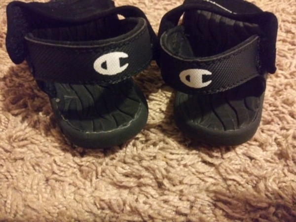 Champion sandals size 7 1/2 toddler 1