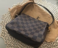 Pochette  Louis Vuitton/leather /handbag/LV Coral Springs, 33065