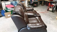Brown leather double recliner Little Rock, 72205