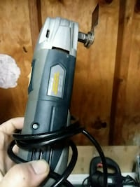 gray and black corded angle grinder Helmetta