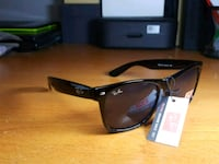 black Ray-Ban Wayfarer sunglasses with black frames 483 km