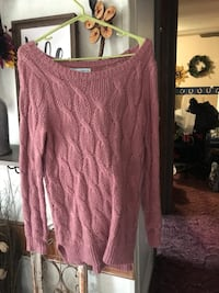 Pink sweater size small Unionville, 52594