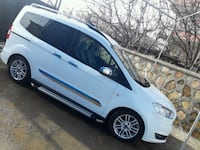 Ford - Courier - 2015