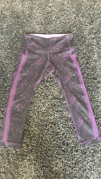 Black and Purple Floral Lululemon Capris Ottawa, K1R 6J5