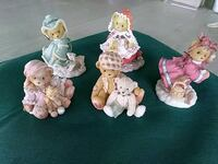 five assorted ceramic figurine lot Sparrows Point, 21219