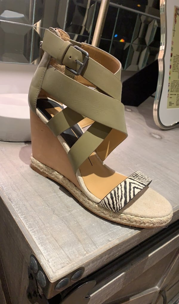 Dolce Vita Wedges - Size 8.5 - NEVER WORN!! 1