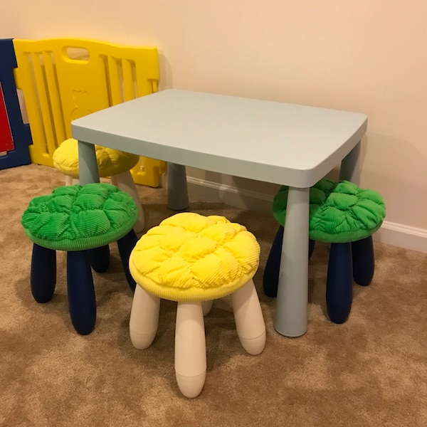 Ikea table with four stools !