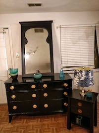 Nice antique black solid wood HUNTLEY FURNITURE dresser with big mirro Annandale, 22003