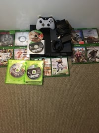 Xbox One console 500G 1 controller and 12 games Cambridge, N3H 5E6