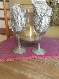CUSTOM HAND PAINTED WINE GLASSES White Marsh