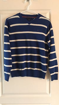 Brand new Tommy Hilfiger sweater L Calgary, T3K
