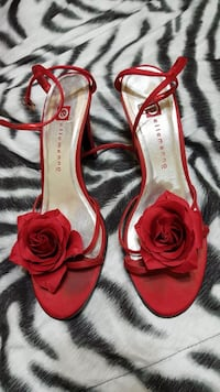 Ellemenno Red Flower women's shoes  Shelby Township, 48315