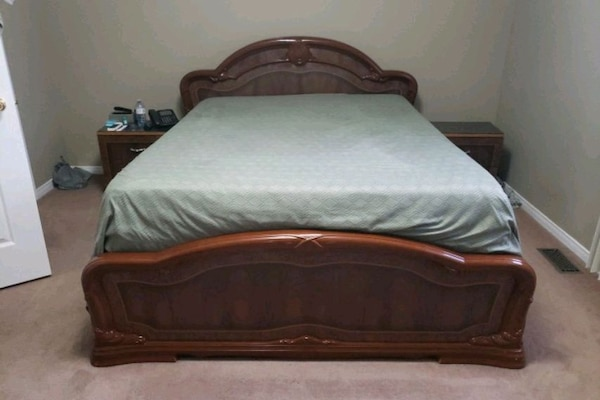 4 pcs bedroom set size queen