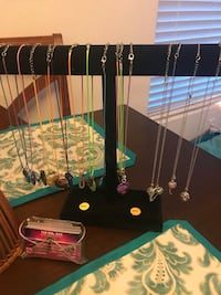 Assorted-color necklace lot