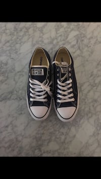 Brand new converse size 11 women 9 men