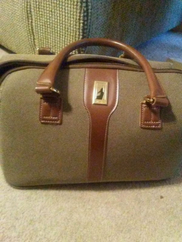 9bc9926ab Used London Fog carry on bag for sale in Gastonia - letgo