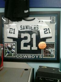Signed W/(C.O.A.) B. Sanders Dallas Cowboys Jersey Hagerstown, 21740
