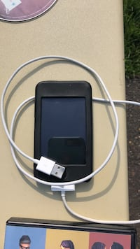 84G IPod with coed  Toms River, 08753