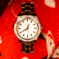 Guess Ladies Gold Watch (Water Resistant) London, N6G 1E5