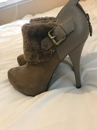 Tan with fur high heels size 6 1/2 Mustang, 73064