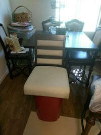 Counter top table chairs brand new in box 4  Las Vegas, 89149