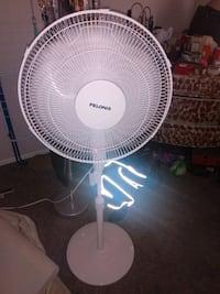 """Remote control fan clean and good working condition 20""""  Alexandria, 22306"""