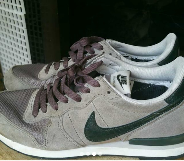 timeless design 0dcb4 d548b nike internationalist vortex grey   dirty green