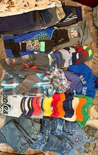 Toddler size 3t - 47 pieces of fall/winter Boys clothes
