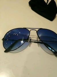 black framed aviator style sunglasses Surrey, V4N 5P4