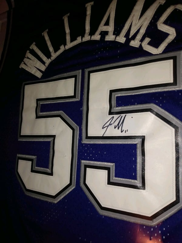 Autographed Jason Williams jersey in framed glass 428cb938-4060-4a99-b874-86c9a71bdcc9