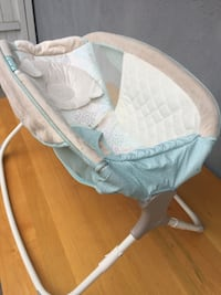 babys brown and white rock and play sleeper Pomona, 91767