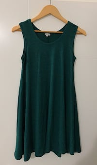 Dark green dress Vancouver, V5W 2T1