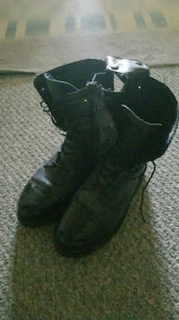 pair of black leather boots Schenectady, 12303