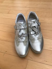 Pair of gray leather shoes 3745 km