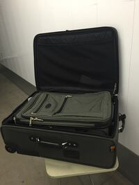 Suit Case set in Great condition  Redwood City, 94061