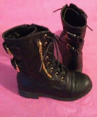 size 1 kid girls Black buckle boots shoes Kenner