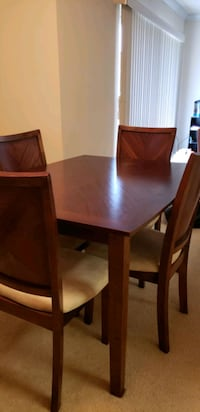 Dining Room Table Set Alexandria, 22304