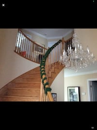 3 GORGEOUS CHRISTMAS GARLAND DIM 7 Ft LONG 3 FOR 15$