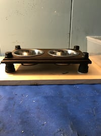 Industrial style cat bowl feeder  Laval, H7E 1R1