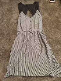 Grey & White Striped Dress w/Pockets, Lace & Open Back Eden Prairie, 55347