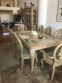 Rectangular white wooden table with six chairs dining set Detroit, 48216